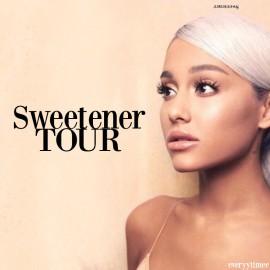 Ariana Grande in Paris
